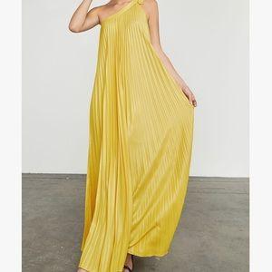 BCBGMAXAZRIA Abee Yellow Maxi One Shoulder Dress